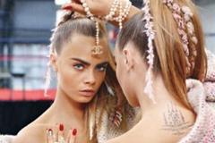 Кара Делевинь вышла на ринг в рекламной кампании Chanel, осень-2014