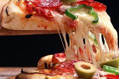 Пилот купил пиццу пассажирам, которые из-за непогоды вынуждены были несколько часов просидеть в его самолете