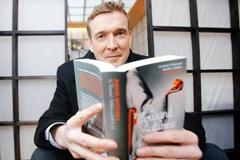 Писатель Дэвид Митчелл опубликует новый рассказ в 280 твитах