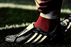 """Adidas подписала рекордный контракт с """"Манчестер Юнайтед"""""""