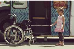 Инвалидная коляска поговорила с москвичами