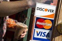 Хлопик попытается заменить MasterCard и Visa