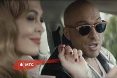 """Супруги из сериала """"Кухня"""" расстались в ролике МТС"""