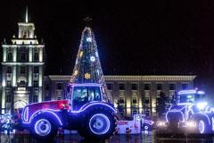 В Белоруссии тракторы МТЗ станцевали вальс и танго