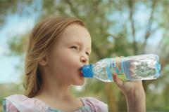 """""""ФрутоНяня"""" рассказала, почему важно пить правильную воду"""
