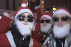 Тысячи Дедов Морозов поздравили Легендарный Пятый канал с 80-летием!