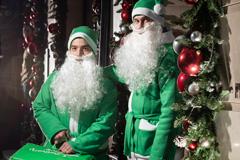 Праздник с доставкой: Delivery Club выпустил новогоднюю униформу для курьеров
