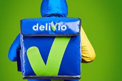 Яркий, динамичный, стильный: визуальный образ нового сервиса доставки Delivio от Fabula Branding
