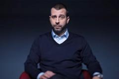 Альфа-Банк запустил рекламу, в которой Иван Ургант просит не брать кредиты