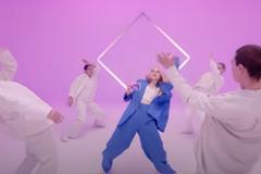 Samsung через танец рассказала о преимуществах складного смартфона