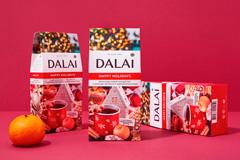 Мандарины, свитер и печенье с предсказаниями: оформление для праздничной серии DALAI от Fabula Branding