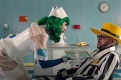 """Киркоров и Maruv - пациент и медсестра в психоделической больнице в новом совместном клипе """"Комильфо"""""""