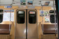 Я тут подумал что надо периодически начать делиться с... Загадка 1. Дизайн вагонов метро.  Но им на смену иногда...